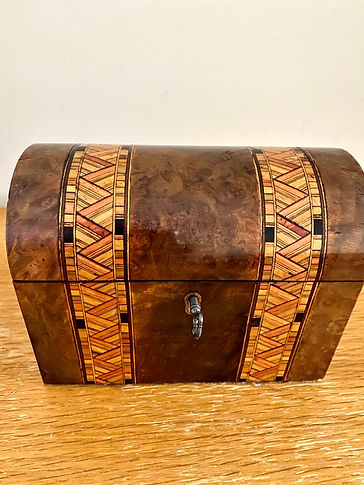 Walnut inlaid tea caddy