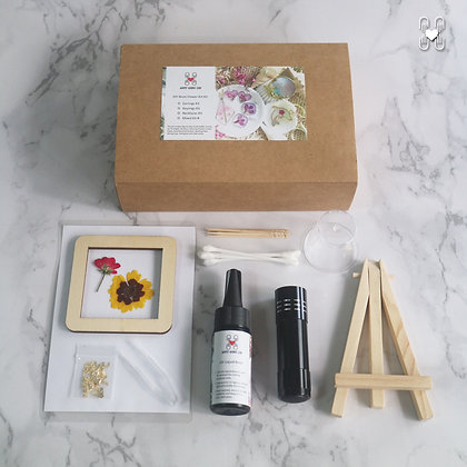 DIY Resin and Floral Photo Art Kit