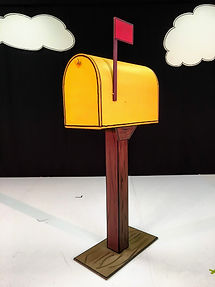 charlie-brown-mailbox.JPG