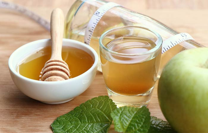 Gargle with Apple Cider Vinegar & Honey