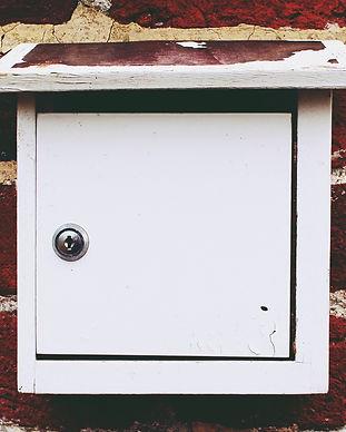 mailbox-1109953_1920.jpg