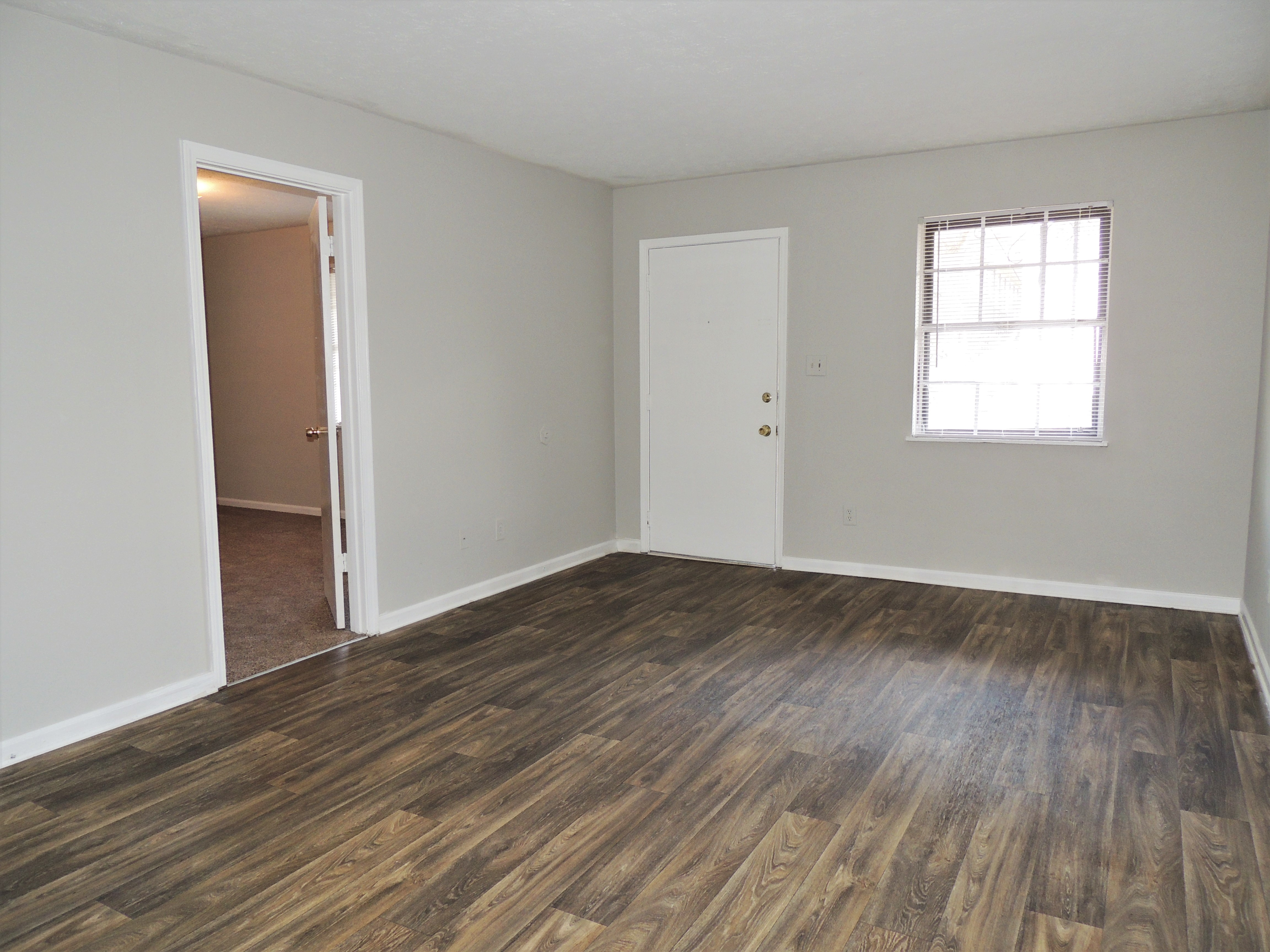 Newly Refinished Classic 2Bed/1Bath