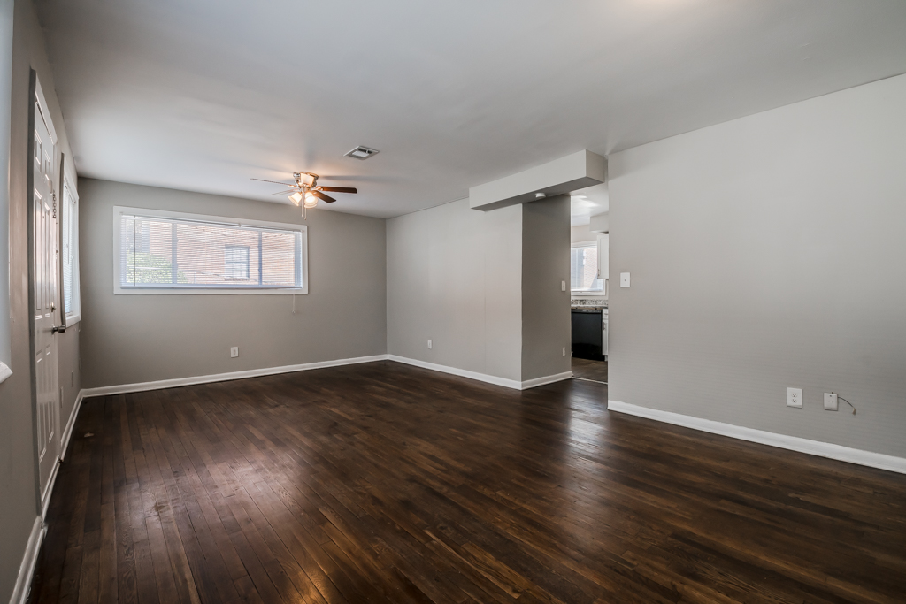 Renovated 3Bed/1.5Bath Townhome