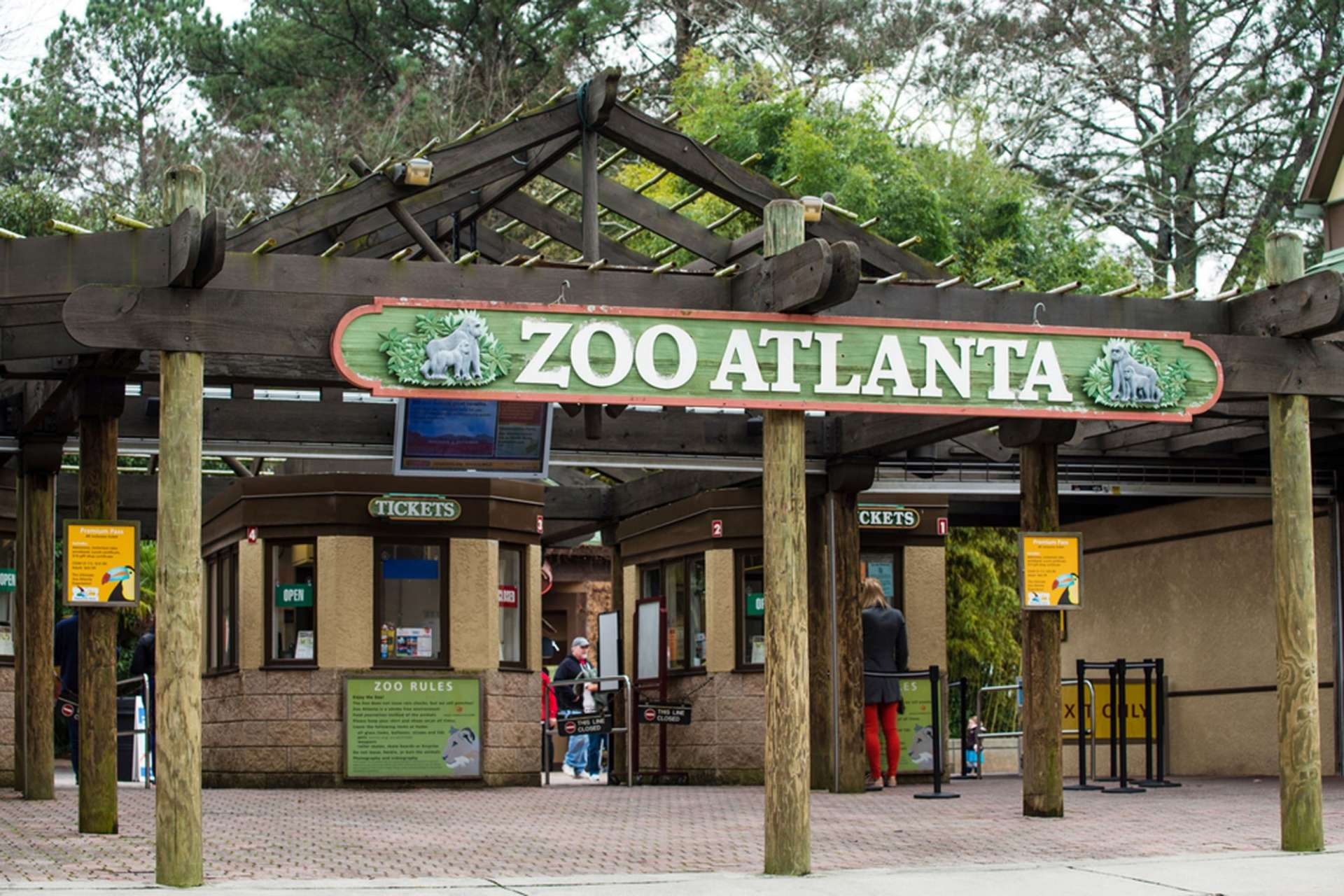 zoo-entrance0-aba766b05056a36_aba767aa-5