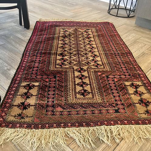 Small area old rug 3 x 4.8