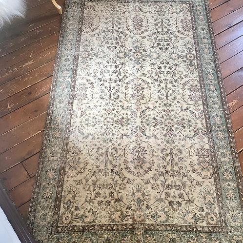 Vintage rug 3.10 x 6.4