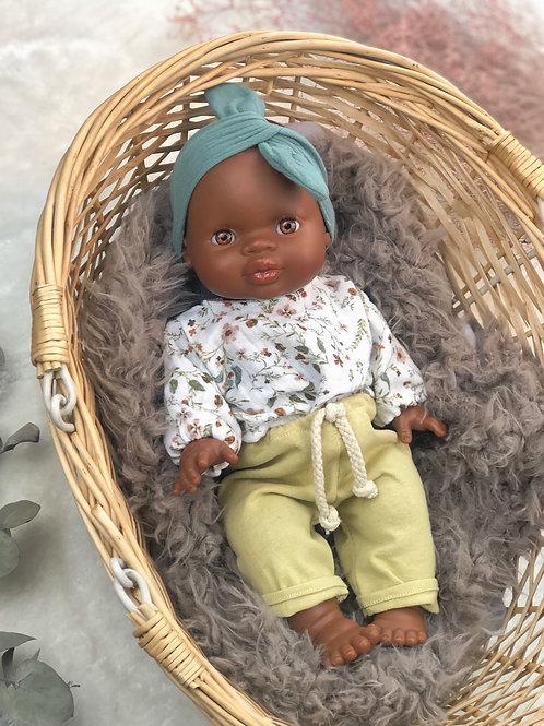 Mädchen Puppe mit Bekleidung