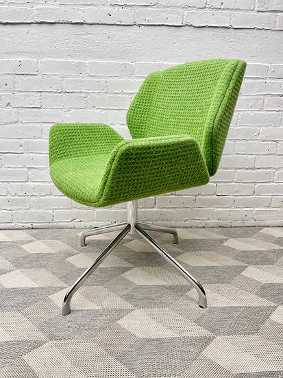 Kruze Swivel Office Chair by Boss Design Green