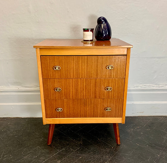 Vintage Chest of Drawers Bedroom #D109