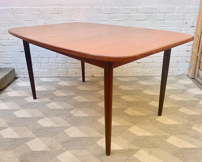 Vintage G Plan Extending Dining Table corner
