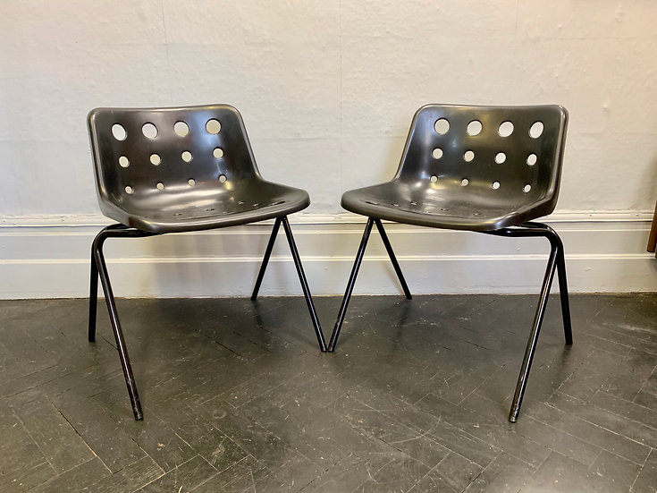 Pair of Robin Day Polo Chairs Black #D27