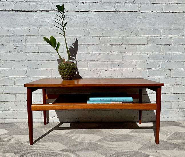 Vintage Coffee Table With Shelf Teak  front