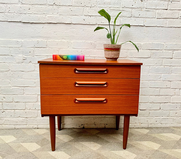 Small Vintage Chest of Drawers by Schreiber