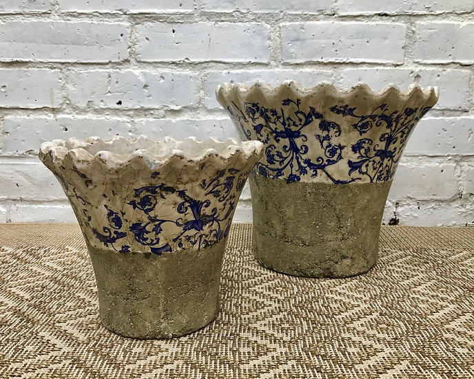 SET OF TWO FLOWER POTS