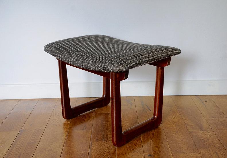 RETRO DRESSING TABLE STOOL