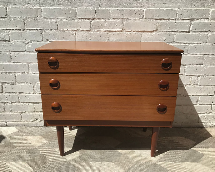 Vintage Retro Small Chest of Bedroom Drawers #745