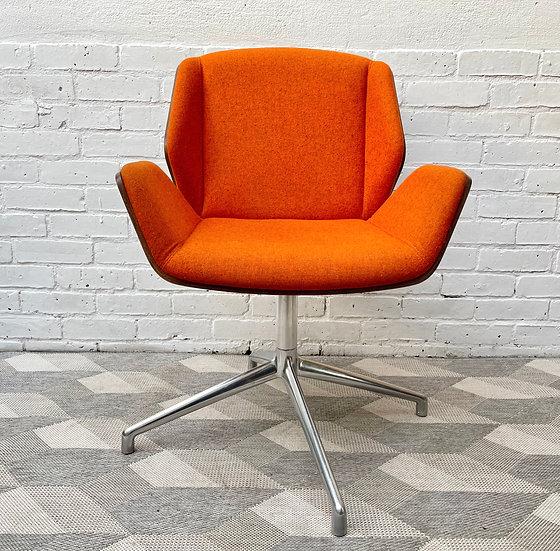 Kruze Swivel Office Chair by Boss Design front