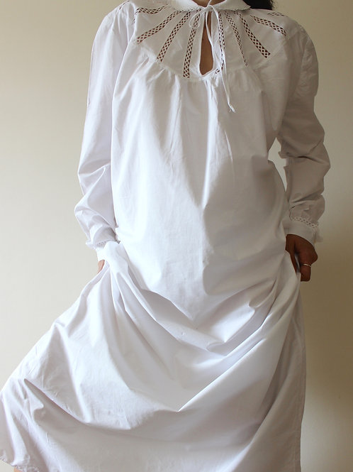 VINTAGE Victorian-style Poet Nightgown