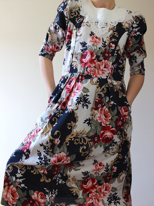Vintage Floral Tea Dress with Lace Collar & Pockets, MADE in USA