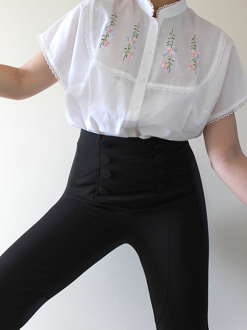 Vintage Romantic Austrian Blouse with Floral Embroidery