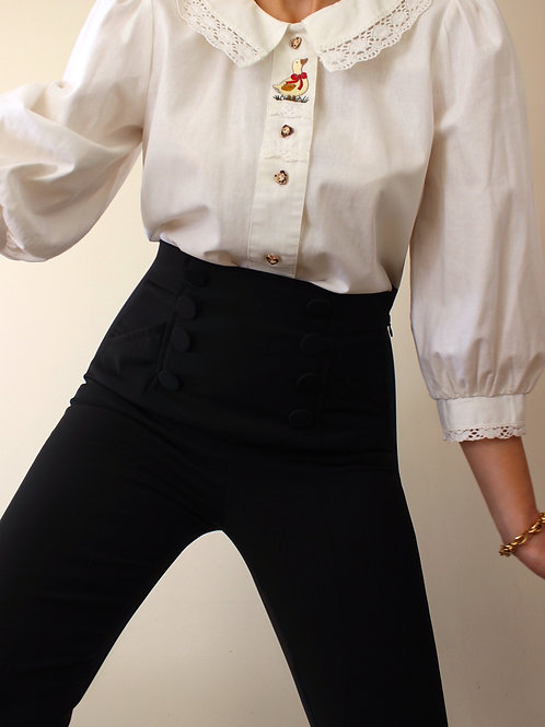 100% Cotton Vintage Austrian Blouse with Embroidery and Lace Collar