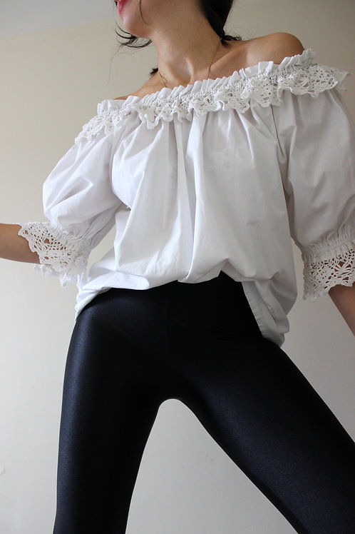 Pure Cotton Vintage Off-the-shoulder Austrian Puff Sleeve Blouse with Lace