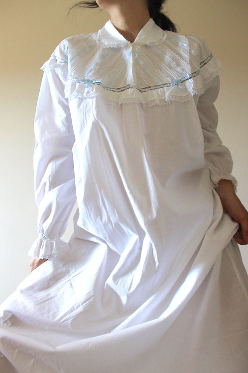 VINTAGE Victorian-style Nightgown with Ribbons & Lace