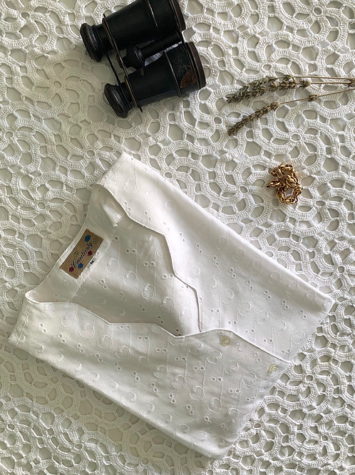 Vintage Broderie Anglaise Blouse with Scalloped Neckline