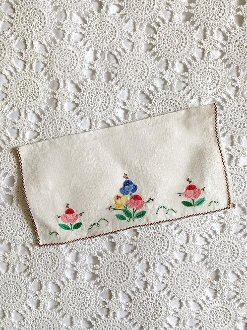 Vintage Hand-embroidered Romantic Linen Pochette