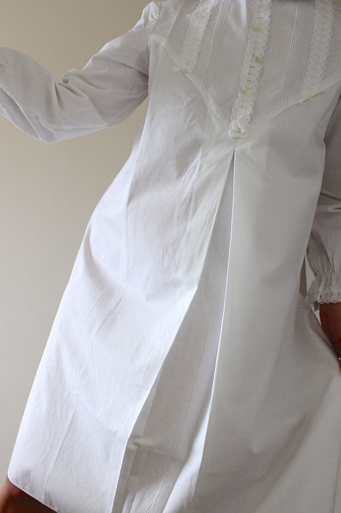 Vintage Victorian-style Midi Nightgown with Peter Pan Collar