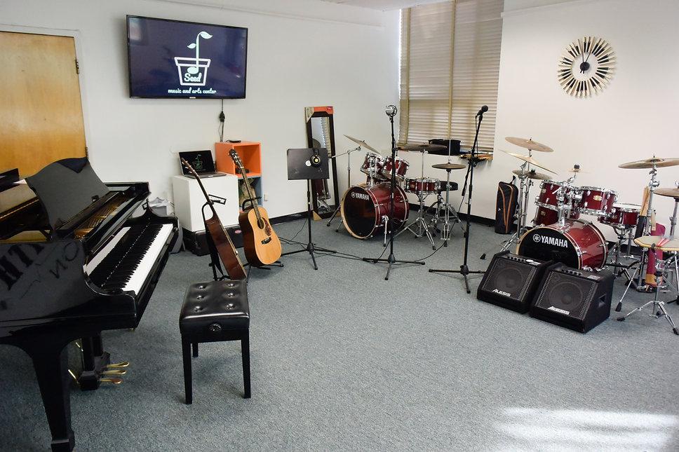 Room 2 (4 of 21).jpg