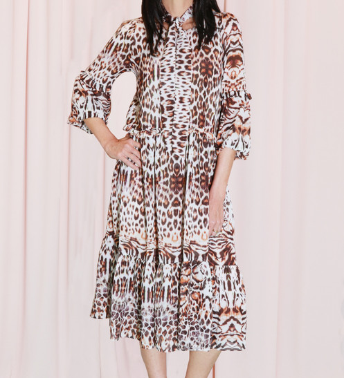 b086882d8ea Beautiful midi dress in light-weight chifffon with long balloon sleeves