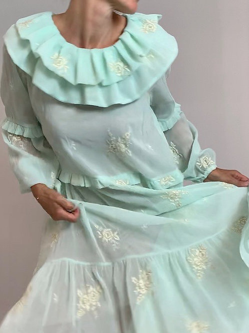 Perriot Mint embriodered midi