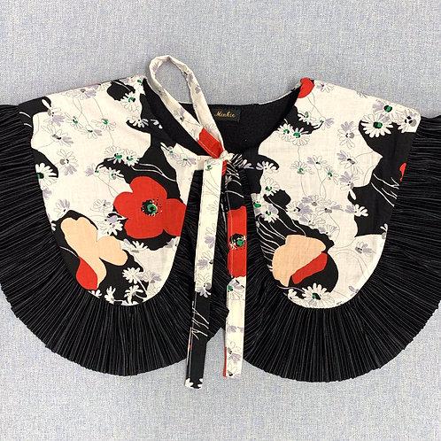The Poppy Love collar