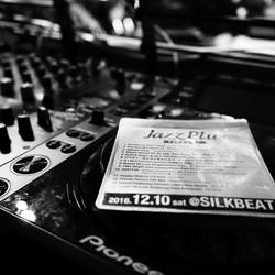 momoholic_live_jazzplus
