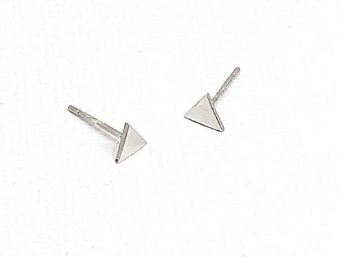 Studs triangulaire