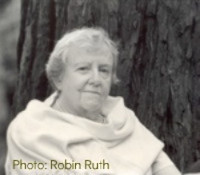 Rebecca-A-Field-Photo-by-Robin-Ruth-180 (3)