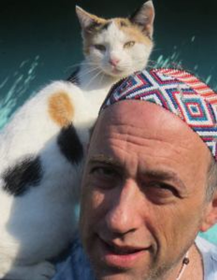 Rod Suskin and cat