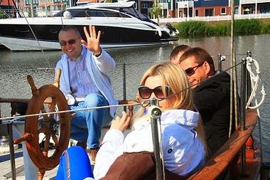 Прогулка на парусной яхте в Голландии