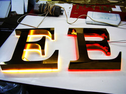 Буквы из металла с подсветкой