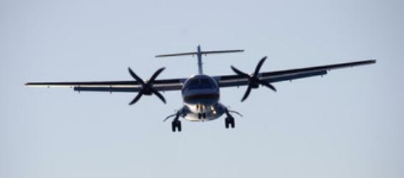 ATR 42 in Approach