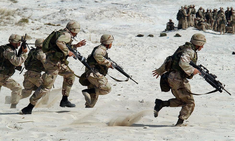 soldiers-1002_1920_edited.jpg