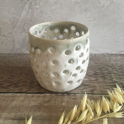 Candle/tealight holder