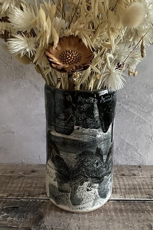 Monochrome vase - abstract design