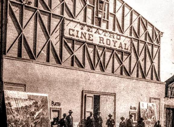Fachada del Cine Royal