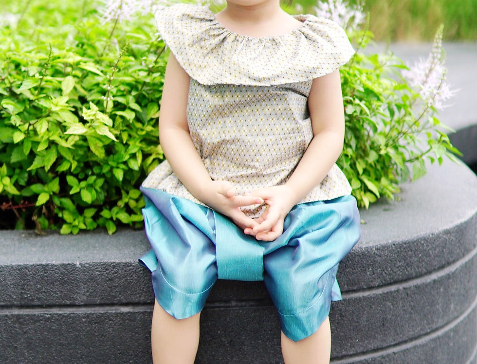 ชุดไทยเด็กหญิง J7 - Grey