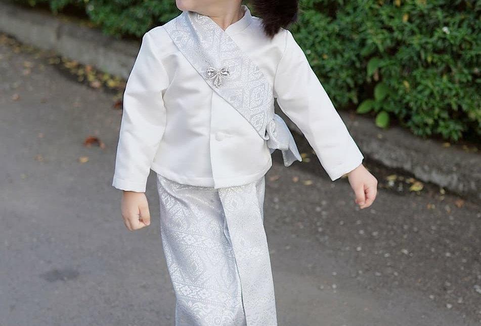 ชุดไทยเด็ก set Jitlada white/silver