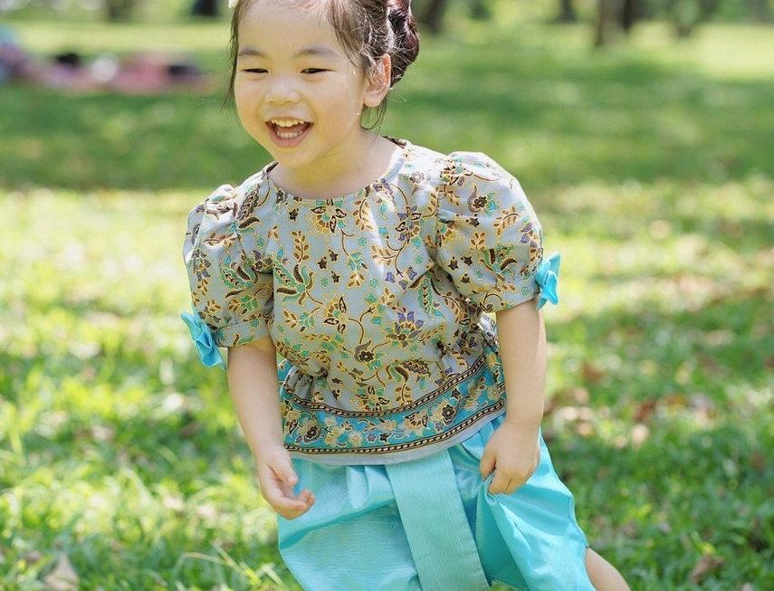 ชุดไทยเด็กหญิง SK2107 - Grey