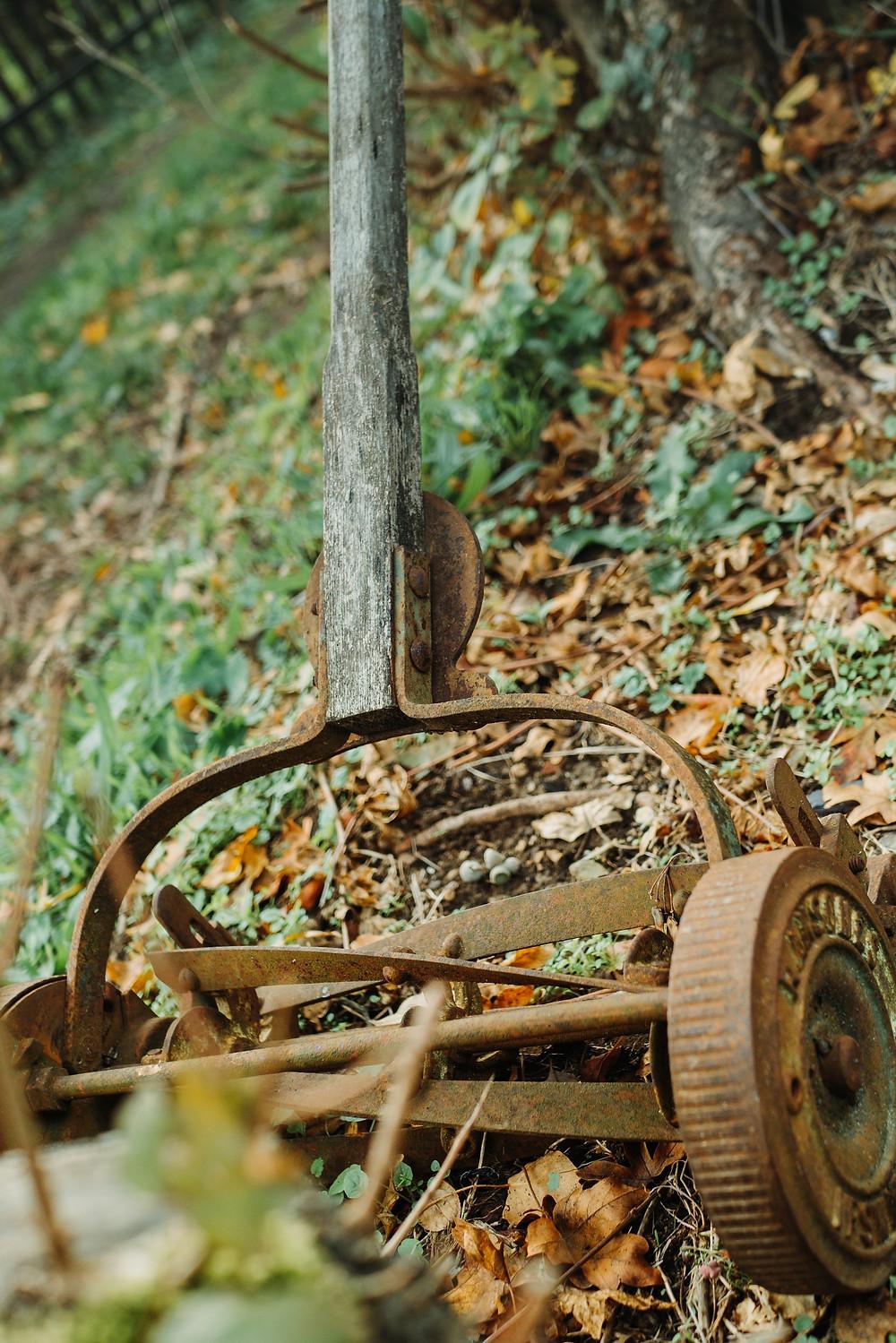Silent antique mower