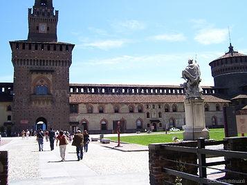 Taxi-Tour-Milano-Castello-Sforzesco